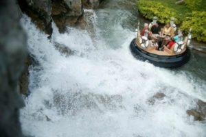 Dollywood amusement park river raft