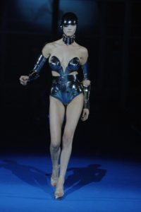 thierry-mugler-outfit-profile