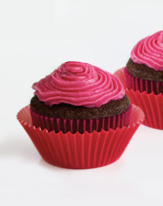the-invisible-chef-jelly-belly-valentine-chocolate-covered-cherry-cupcake-sm