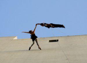Bandaloop dance duo
